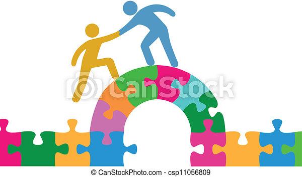 Menschen helfen bei der Lösung von Bridge-Puzzle - csp11056809