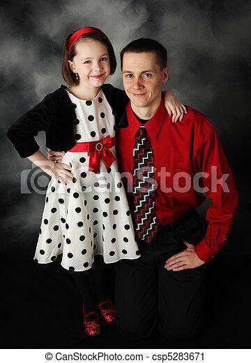 Daddy und Tochter verkleidet - csp5283671