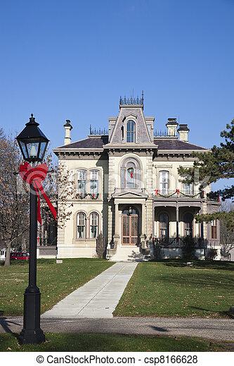David Davis historische Villa in Blomington - csp8166628