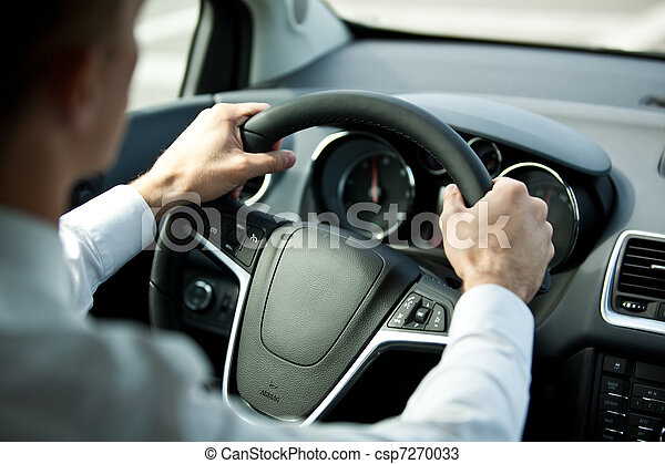 Ein Auto fahren - csp7270033