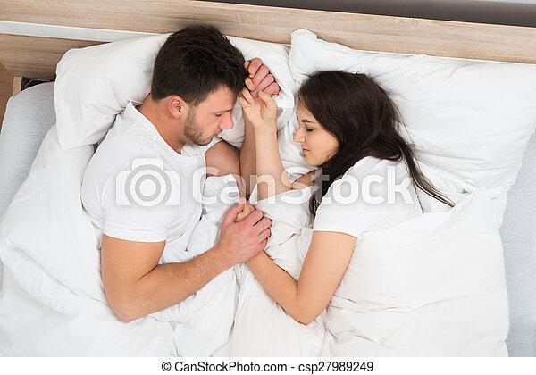 Bett händchenhalten im Neues Glück