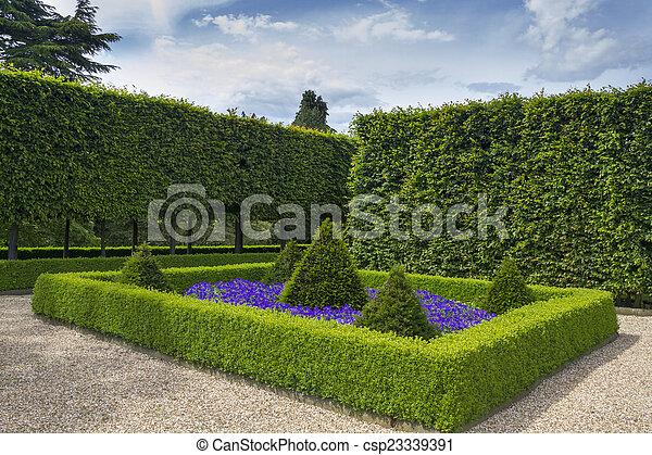 Formale Gärten. - csp23339391