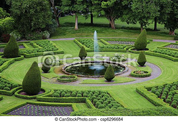 Formaler Garten - csp6296684