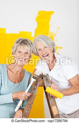 Frauen stehen ältere auf Ältere Frauen