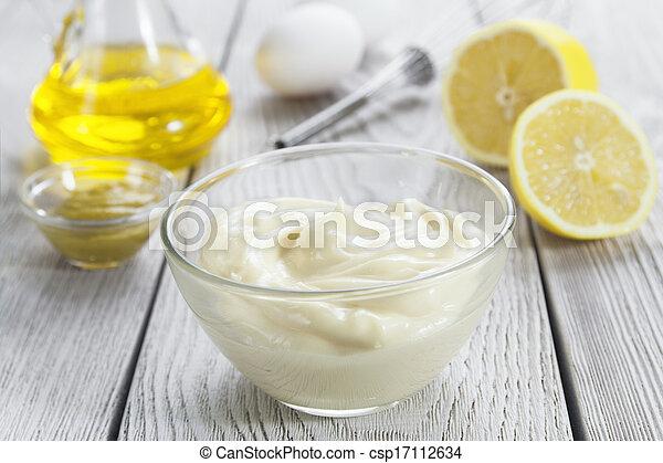 Selbstgemachte Mayonnaise. - csp17112634