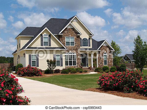 Zwei Wohnhäuser. - csp5993443